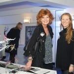 14 Rachel Ducker and her wire sculpture with Rula Lenska the actress
